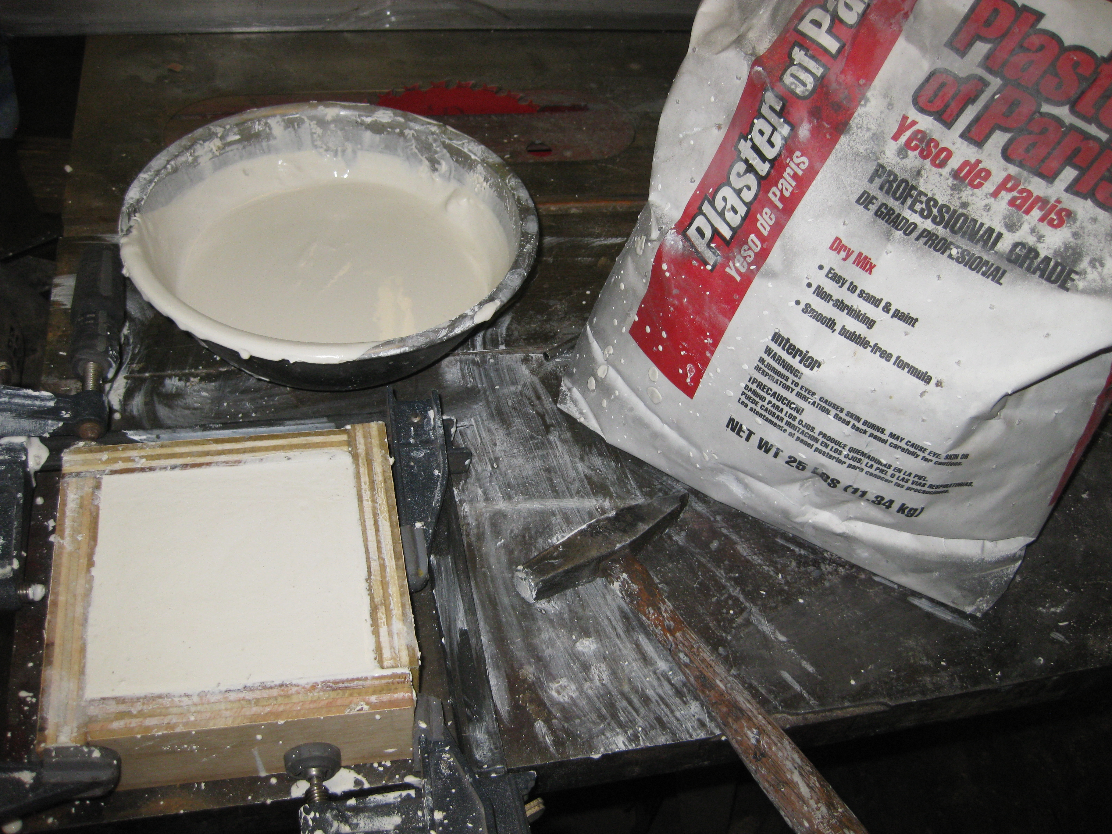 mix and fill mold with plaster