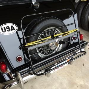 luggage rack with lock bar